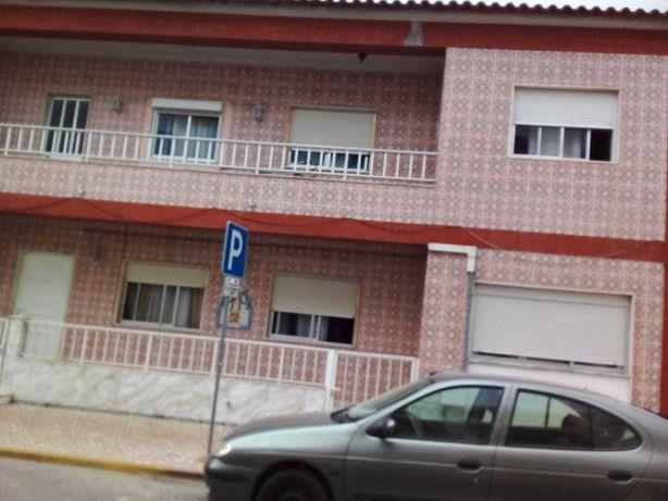 Vende-se - Moradia no Pinhal Novo