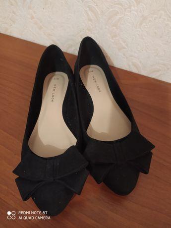 Замшевые туфли 35 р.