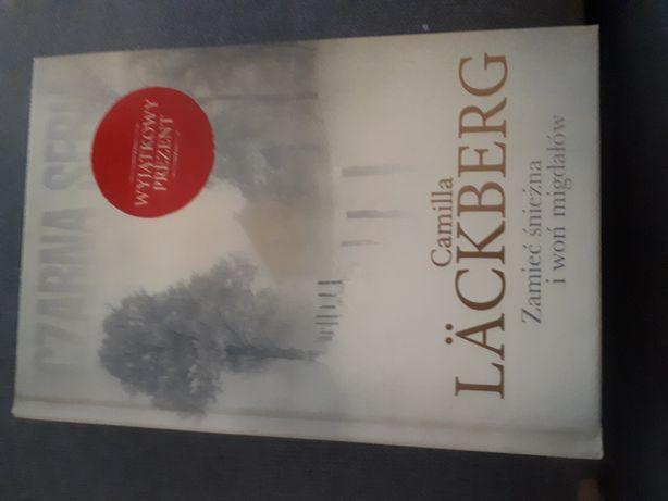 """Camilla Lackberg """"Zamieć śnieżna i woń migdałów"""""""