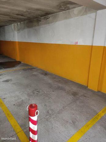 Lugar de Garagem - Rua Machado dos Santos