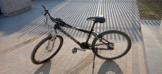 Sprzedam rower ,, czarny arkus,,
