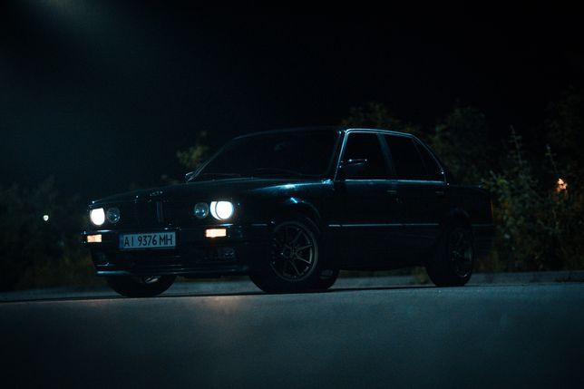 BMW E30 318is, в хорошем состоянии