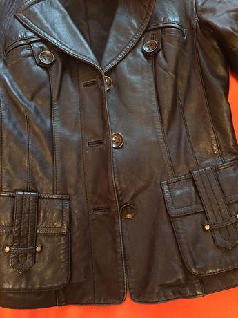 Кожаная куртка, женская