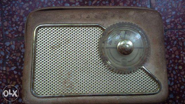 Rádio antigo Minerva Voltransistor