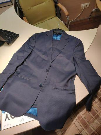 Мужской костюм Костюм на выпускной Massimo Dutti Размер М