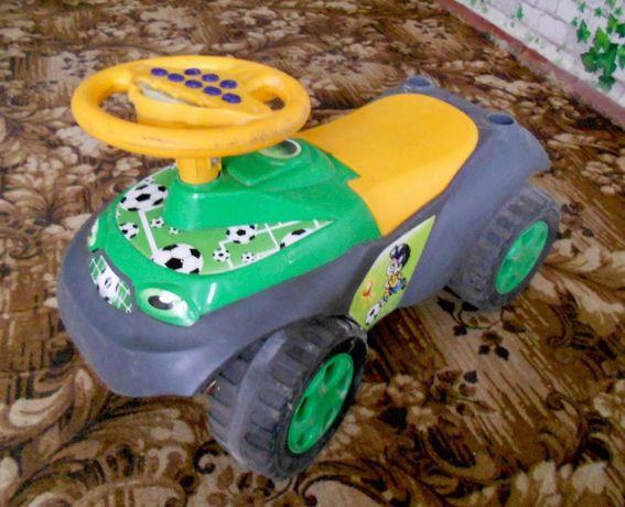 Толокар Машинка для катания Автошка с музыкальным рулем