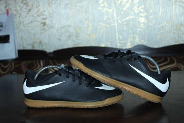 Футзалки Nike 38