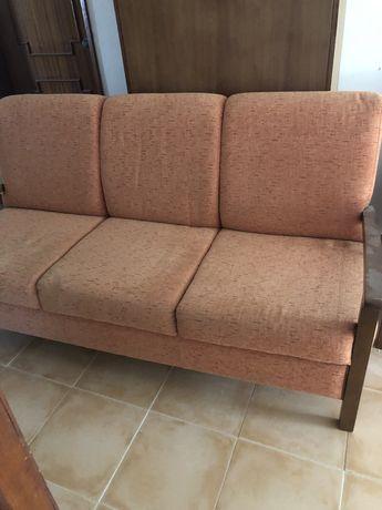 Vende-se sofa e poltrona