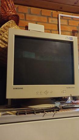 Монитор Samsung для компьютера