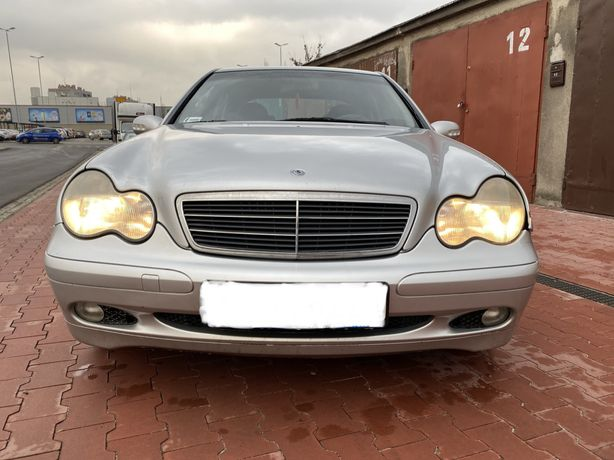 Mercedes-Benz c220 w203 2.2cdi 2002r Bogate wyposażenie
