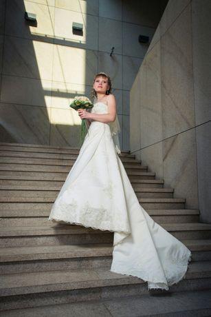 Платье свадебное, в подарок сумочка