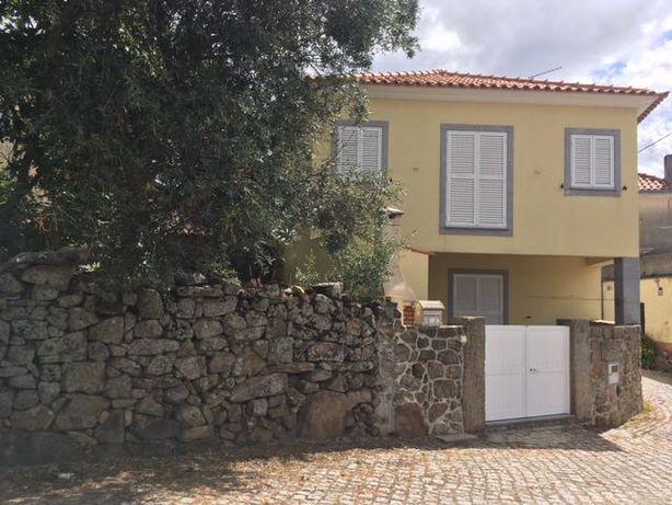 Moradia V3 em Mareco a 70 km da Serra da Estrela