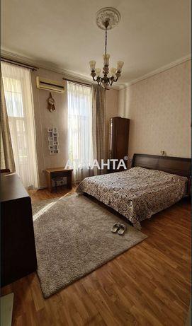 3-комнатная квартира. Приморский. Центр
