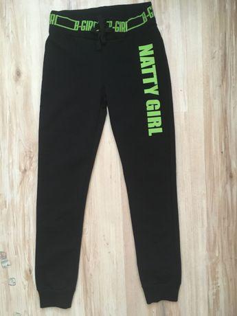 Новые спортивные штаны на девочку 7-8 лет