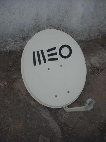 Antena parabolica / prato MEO