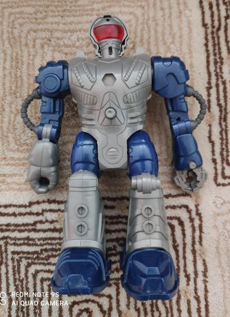 Робот игрушечный