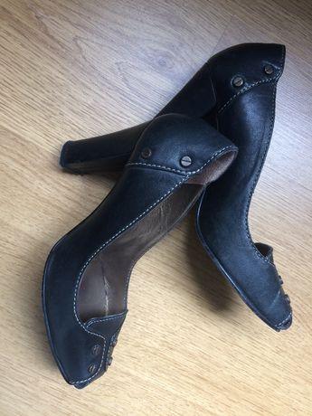 Sapatos pele Foreva 37
