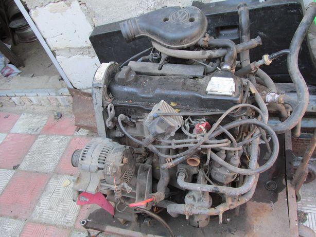 двигатель кпп гольф 2 гольф 3 пассат б3.б4 транспортёр т3  1.8 бензин