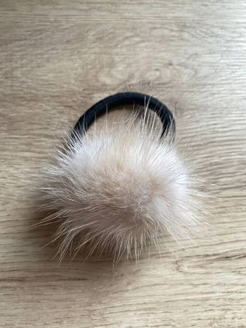 Резинка для волос с мехом