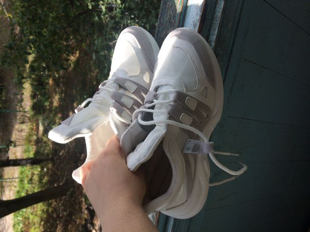 Кроссовки белые легкие