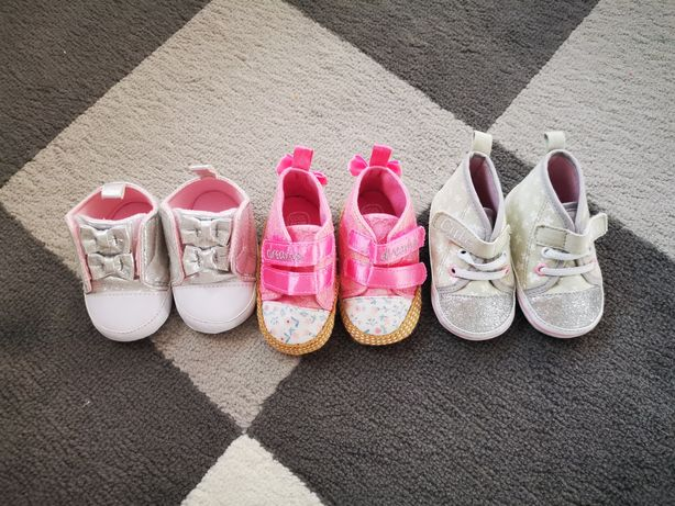 Buciki niemowlęce 18
