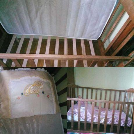 Детская деревянная кроватка с матрасом(кокос) и защитой,