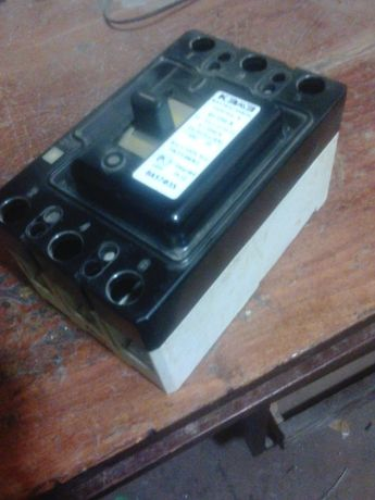 Автоматический выключатель ВА57Ф35 340010 250А УХЛ3 КЭАЗ