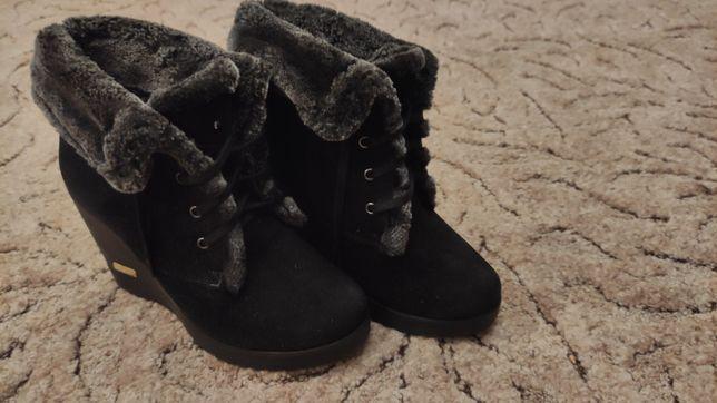 Зимние ботинки с натуральной замши на платформе