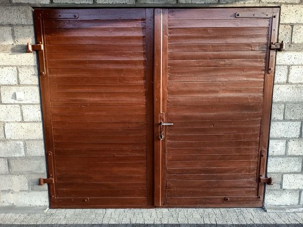 Drzwi garażowe 240x213