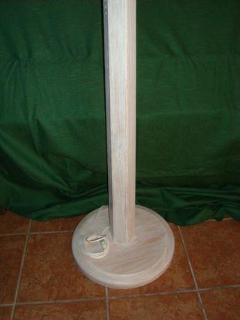 Candeeiro em Decapê branco pé alto 1.70mt