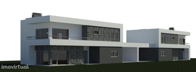 Moradia T4 em construção - Arquitectura Moderna.