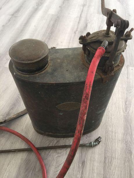 Lindo pulverizador antigo.