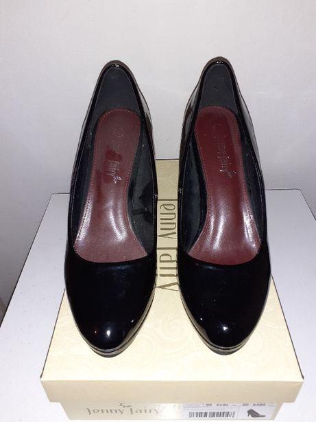 Buty na obcasie czarne lakierowane 38