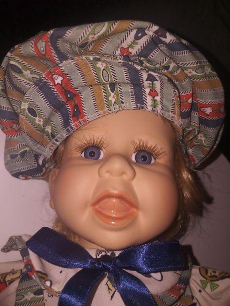 Stara porcelanowa lalka z sygnaturą autora