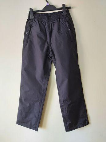 KappAhl  chłopięce dresowe spodnie ortalionowe 152