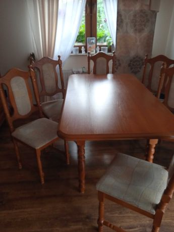 Stół rozkładany  i 6 krzeseł