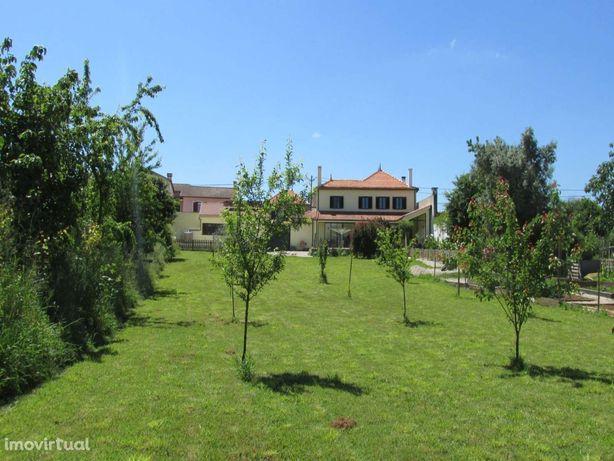 4 Bedroom House with stone Barn, Garage,land in Vila Nova de Poiares