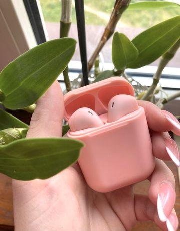 różowe pudrowe pastelowe słuchawki bezprzewodowe bluetooth inPods 12