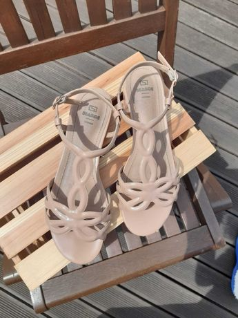 Sandálias Nude para Senhora