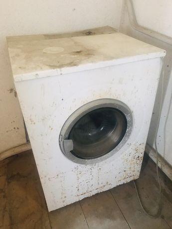Продається пральна машина на запчастини.