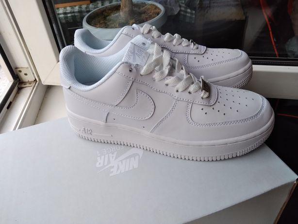 Женские кроссовки Nike Air Force 1 Белые