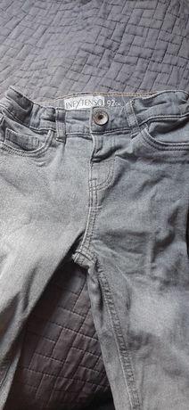 Spodnie jeansowe rurki dla chłopca 92