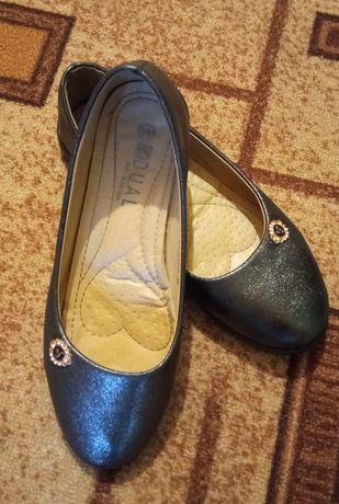 Туфли на девушку 36-37р.