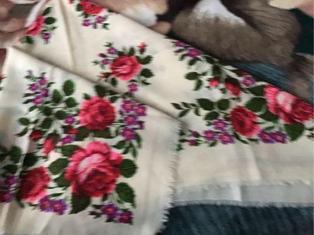 Платок шерстяний у квіти
