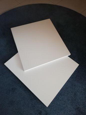 2 prateleiras lacadas a branco. NOVAS.