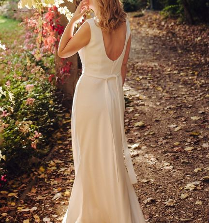 Suknia ślubna prosta skromna rozmiar 38 na wzrost 170 cm + obcas