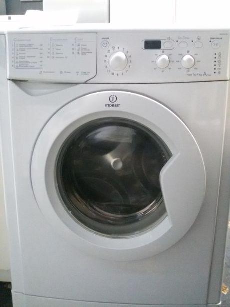 Узкая INDESIT стиральная машина б/у