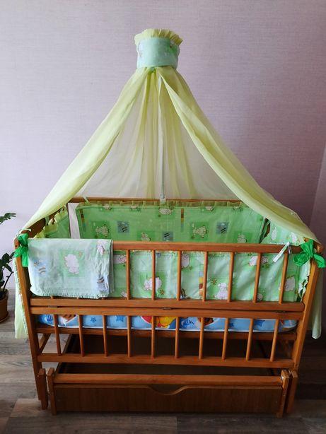 Срочно!Детская кровать с маятниковой системой.