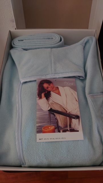 Vendo Robe da Marca Mira para Mulher Cor Azul NOVO
