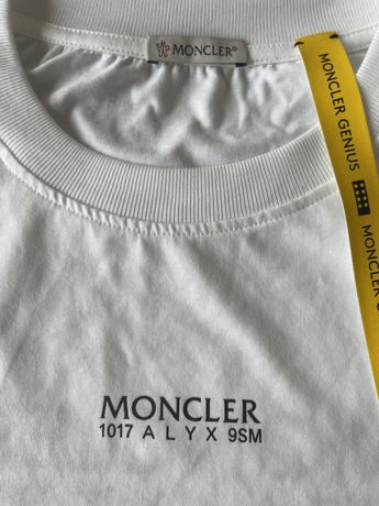 Moncler Tshirt manga comprida